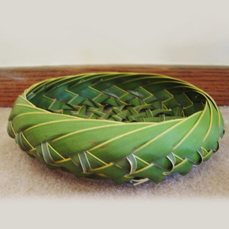How to weave a basket from banana leaves : Coconut leaves basket decoration coconuts florida